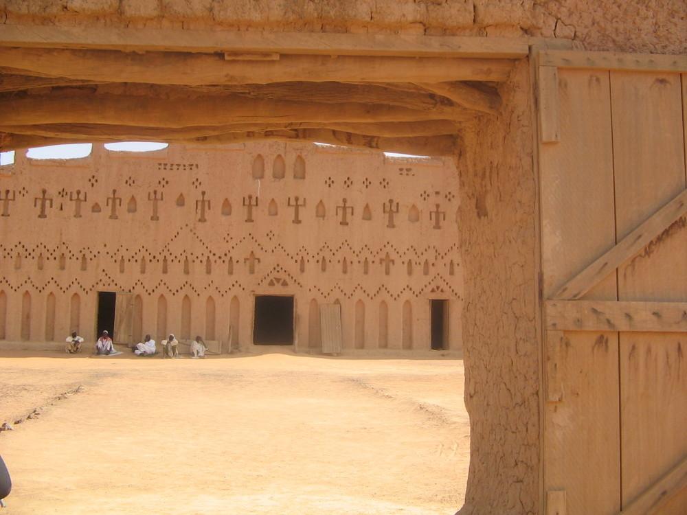 la grande moschea di sabbia di Banì