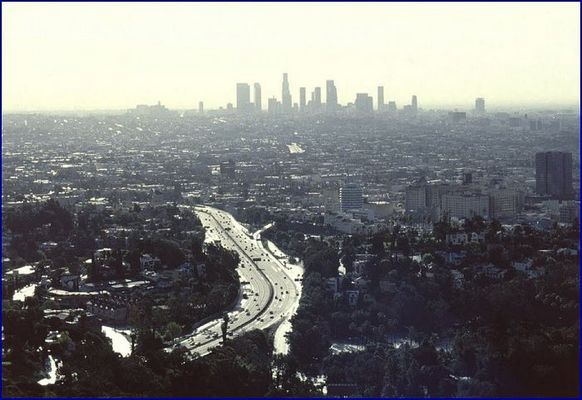 LA Highway u. Skyline
