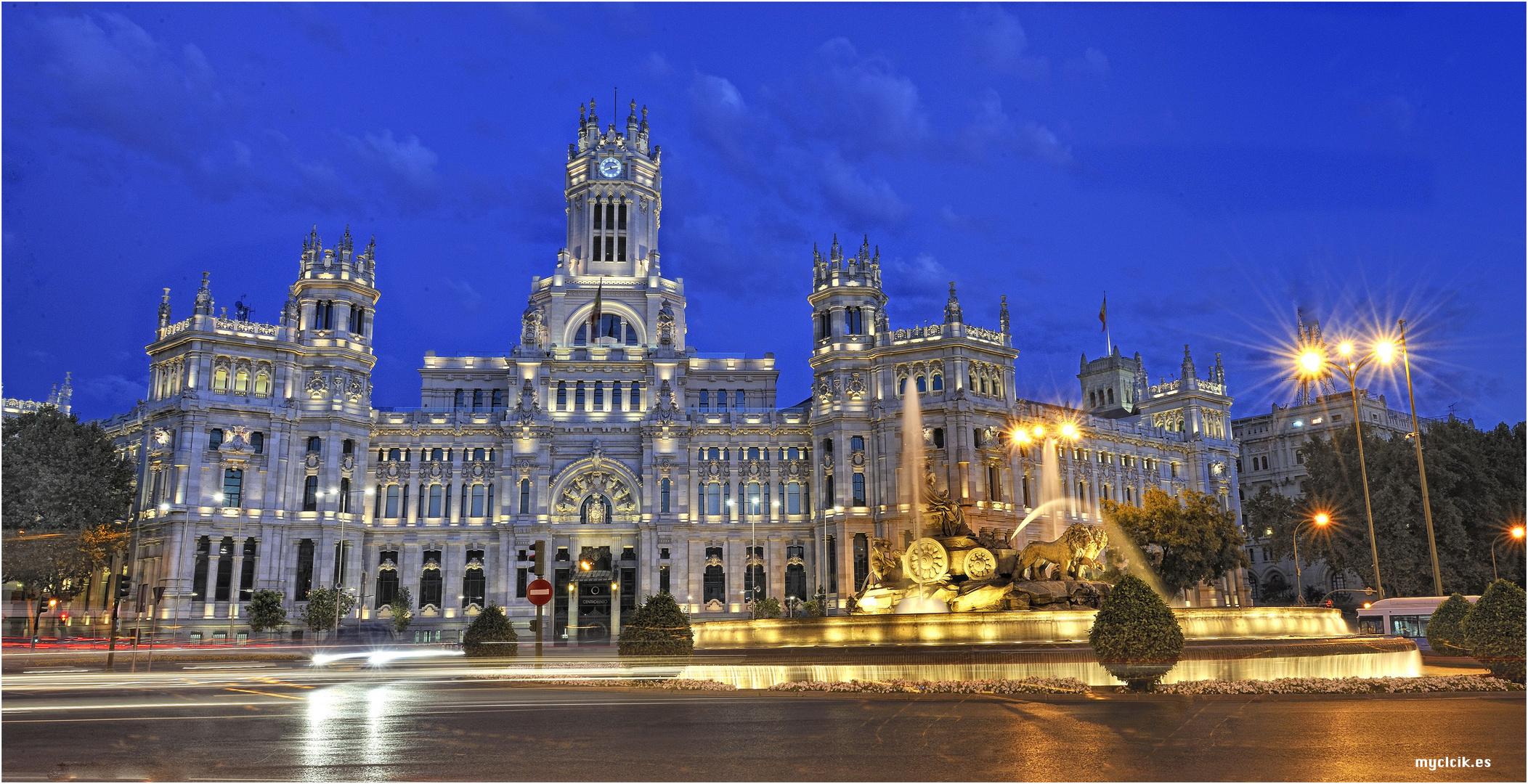 LA HORA AZUL-LA CIBELES MADRID