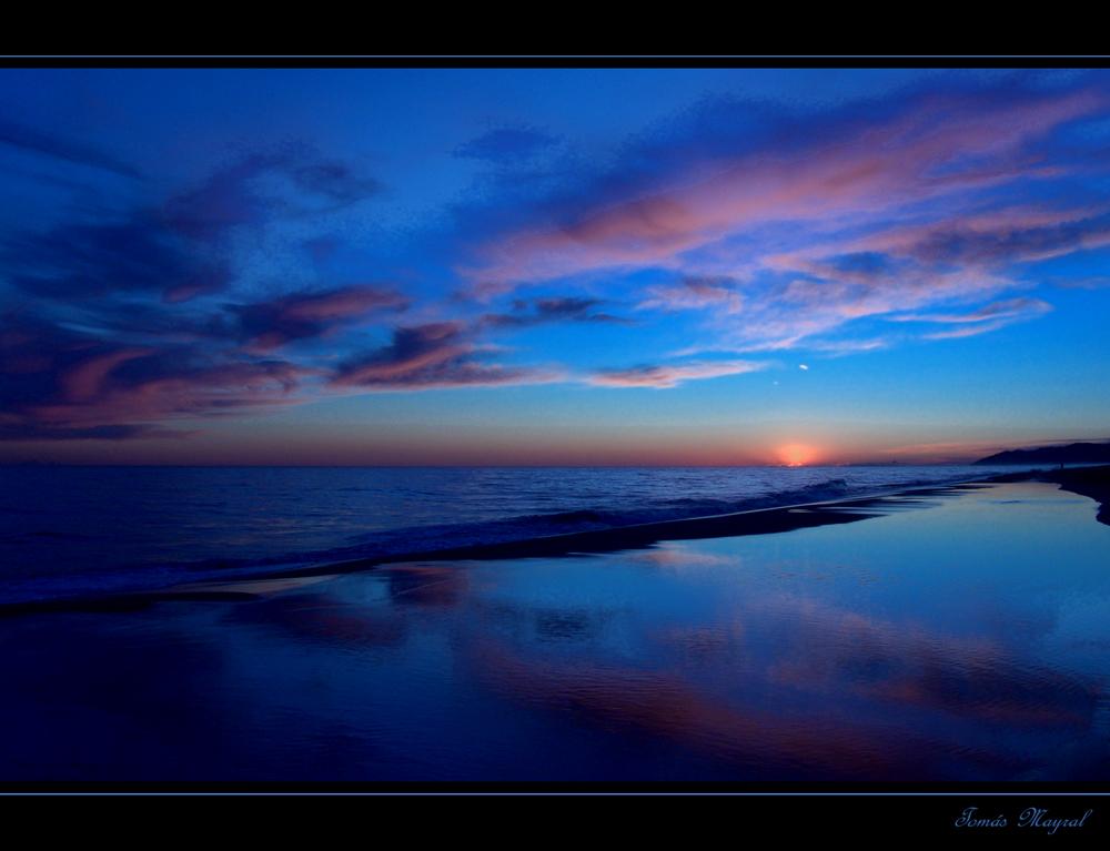 La Hora Azul-Marina