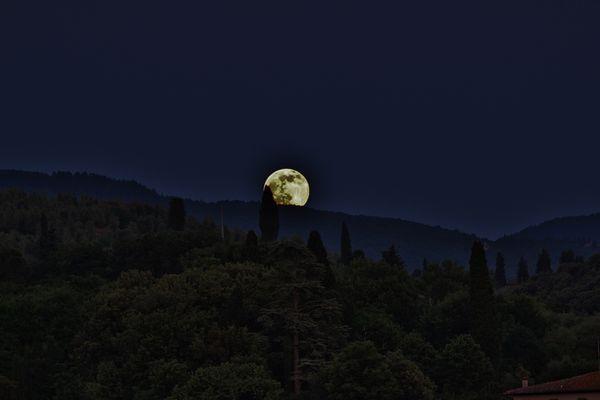 la luna che sale