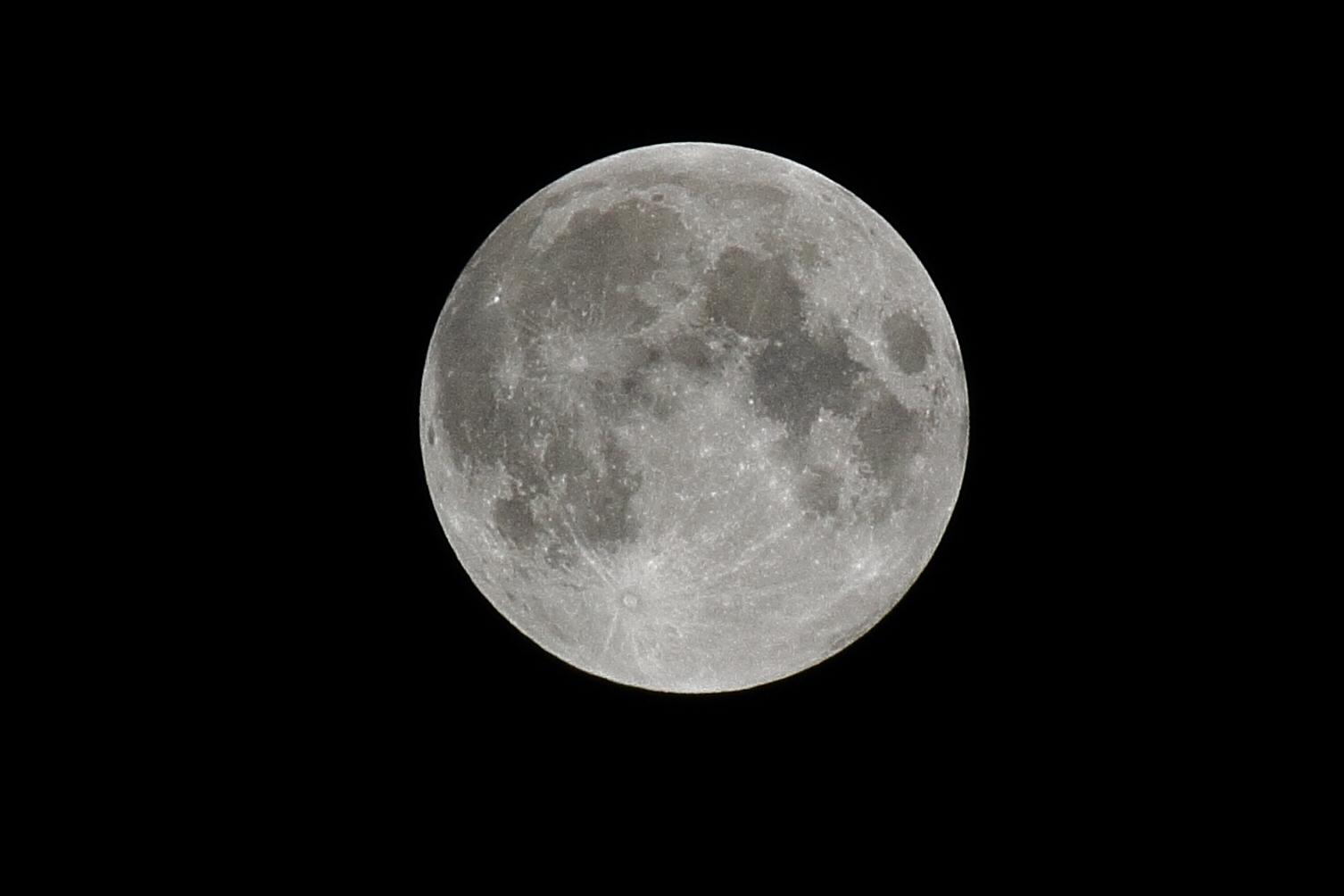 La Luna mal wieder voll