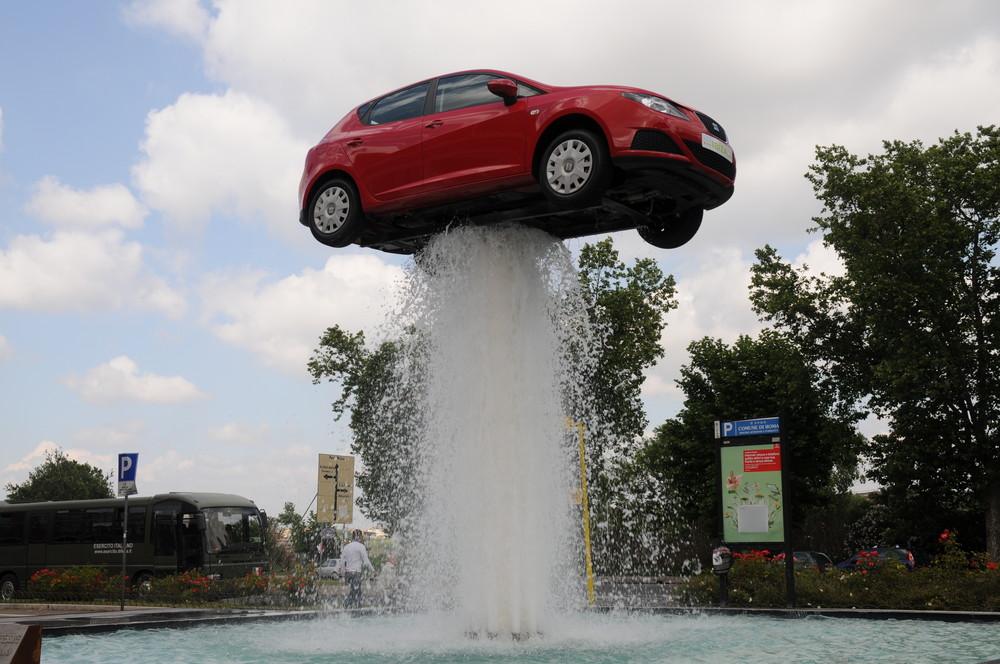 la macchina ha acqua