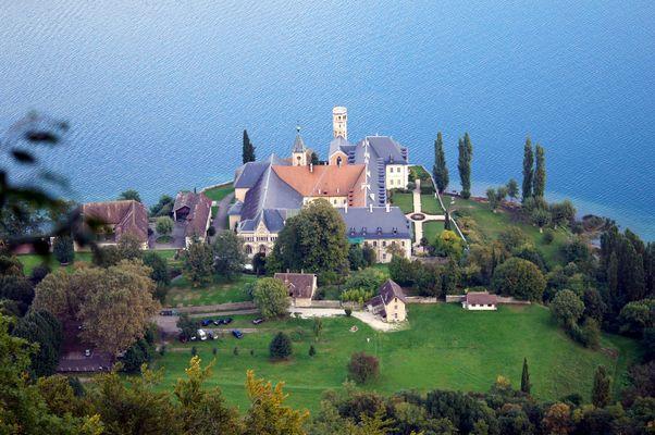la magnifique abbaye de Hautecombe