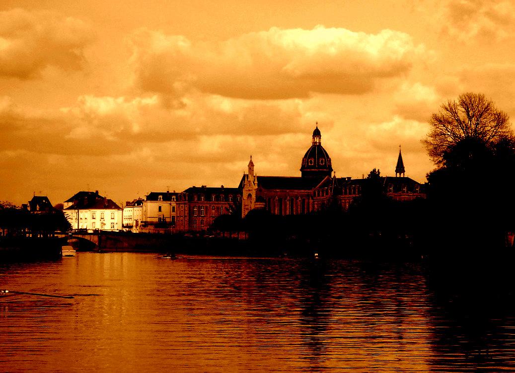 La Mayenne ....