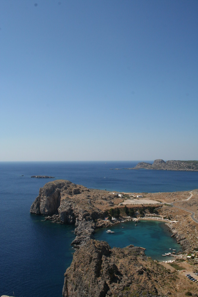 La mer vue du point culminant de Lindos (Rhodes)
