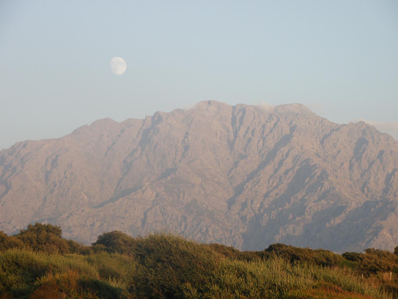 la montagne sous l oeil attentif de madame lune