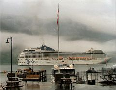 La nave « Orchestra» ormeggiata a Geiranger.
