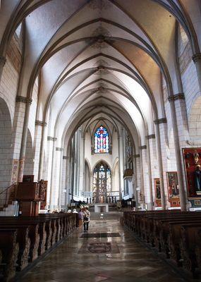 La nef gothique de la Cathédrale d'Augsbourg  --  Das gotische Kirchenschiff des Augsburger Domes
