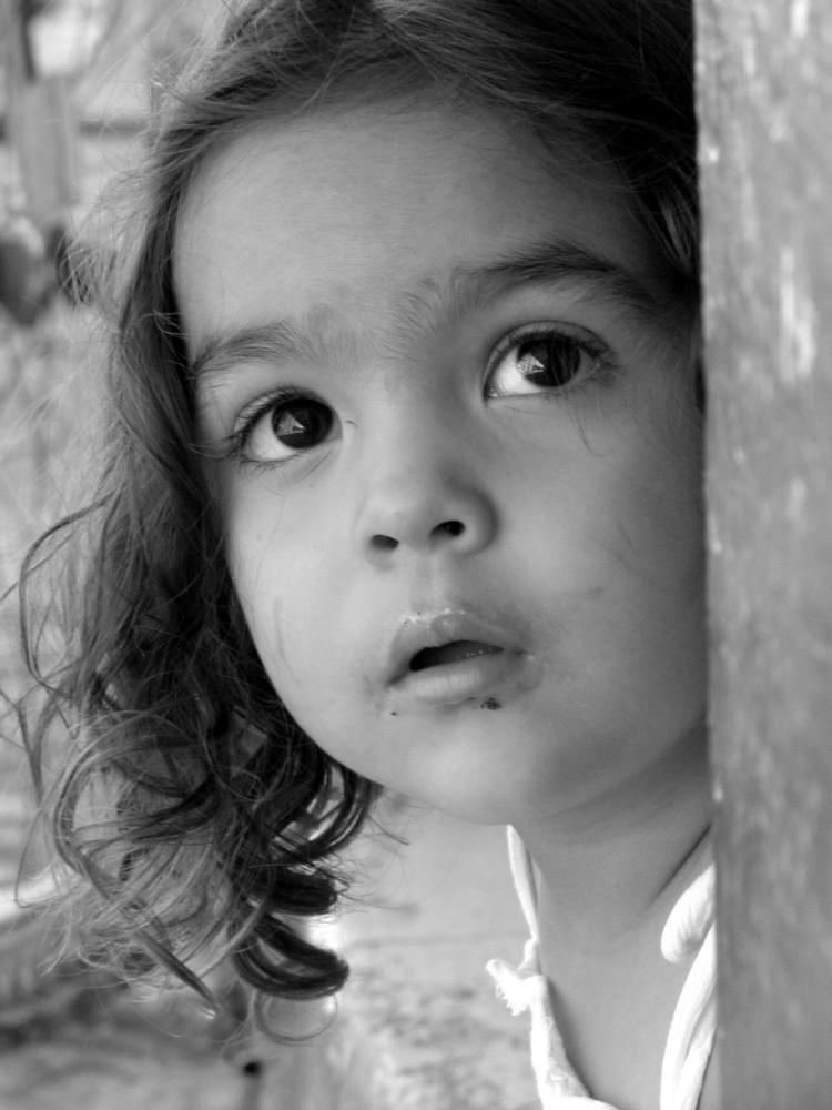 La niña curiosa