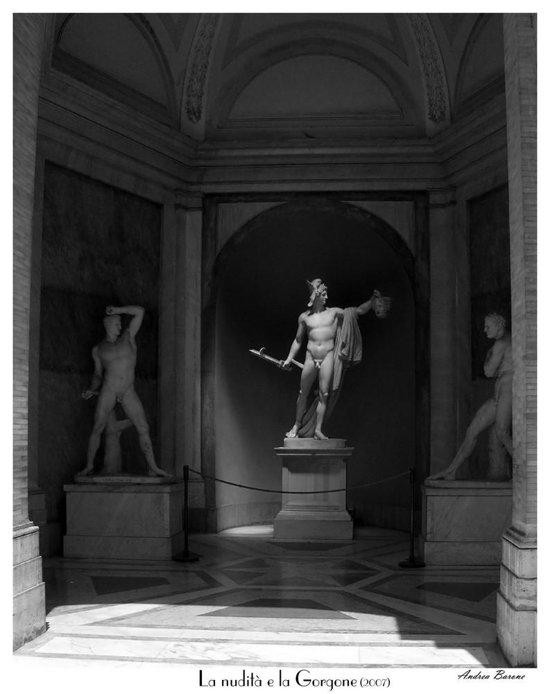 La nudità e la Gorgone