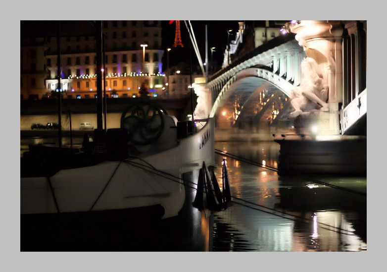 La nuit quai Augagneur la nuit