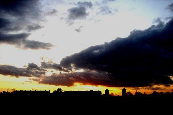 La nuit , tombante, vu de mon balcon