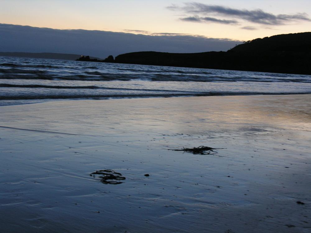 La nuit tombe sur la plage