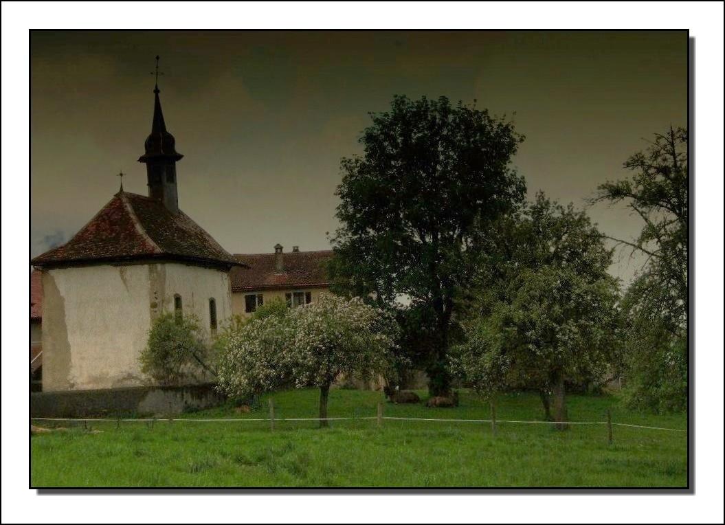 la petite chapelle qui se prenait pour la tour de Pise !!!