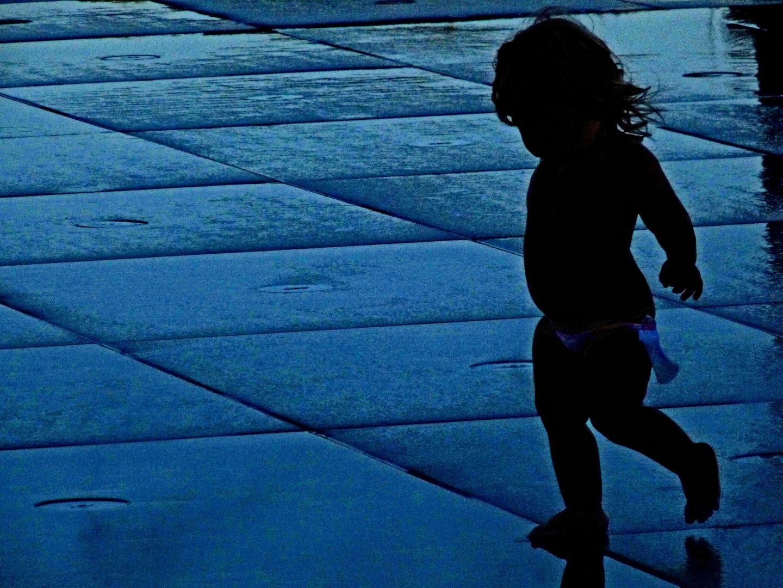 La petite fille du miroir d'eau