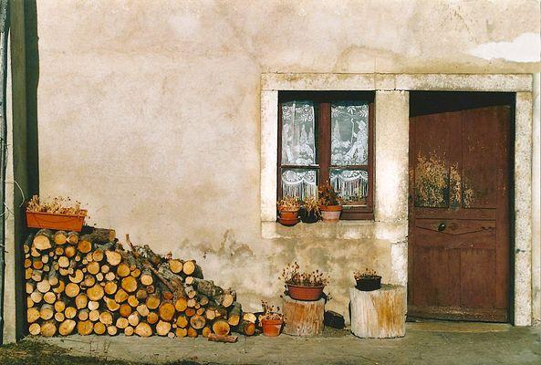 La petite maison au bout du village