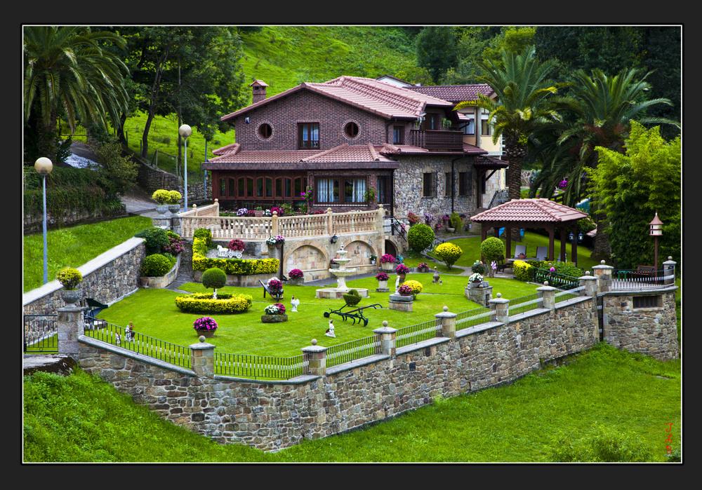 la petite maison dans la prairie photo et image europe spain cantabria baskenland navarra. Black Bedroom Furniture Sets. Home Design Ideas