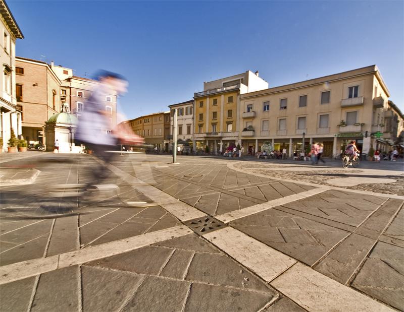 La piazza (semi) vuota