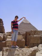 la piramide in pugno