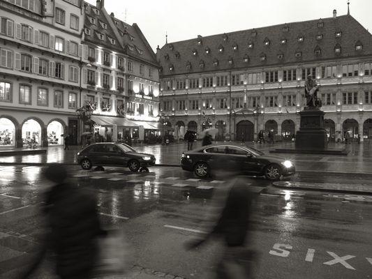 La Place Gutenberg sous la pluie