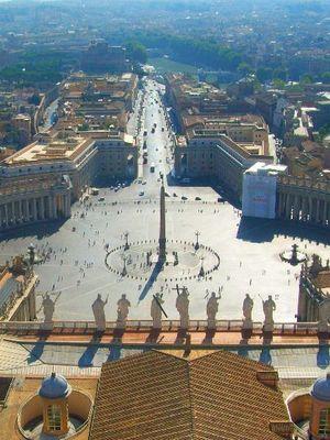 la place, seule dirigeante du vatican