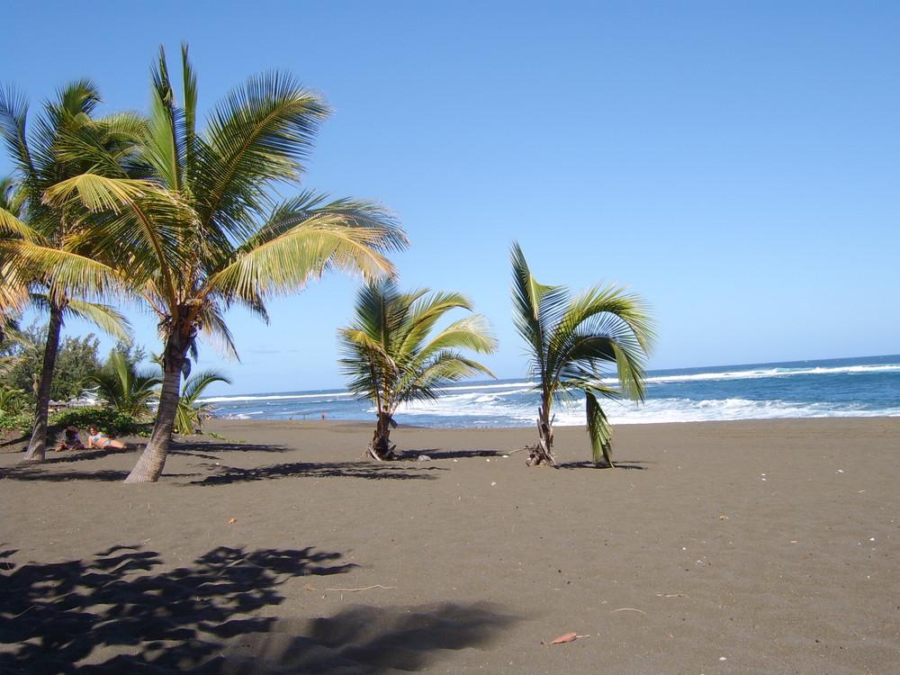la plage sable noir