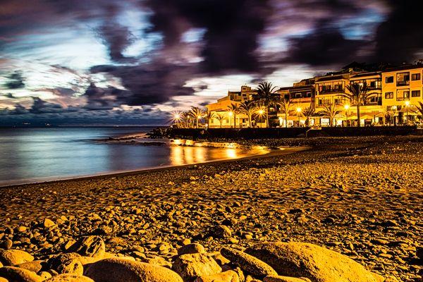 La Playa at night