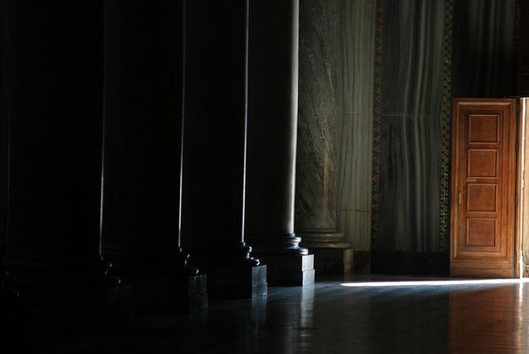 La porta aperta sul mondo e la luce ... la porte ouverte sur le monde et la lumière