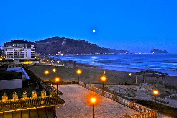 La primera Luna llena de 2012