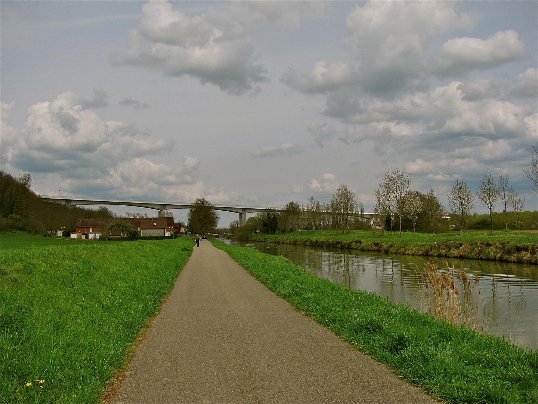 .. La promenade à Rhône au Rhin Canal 2 ...