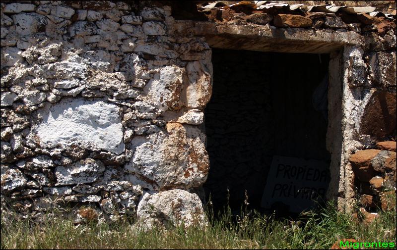 La puerta oscura