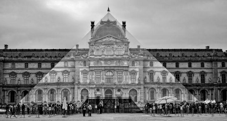 La pyramide du Louvre a disparu ...