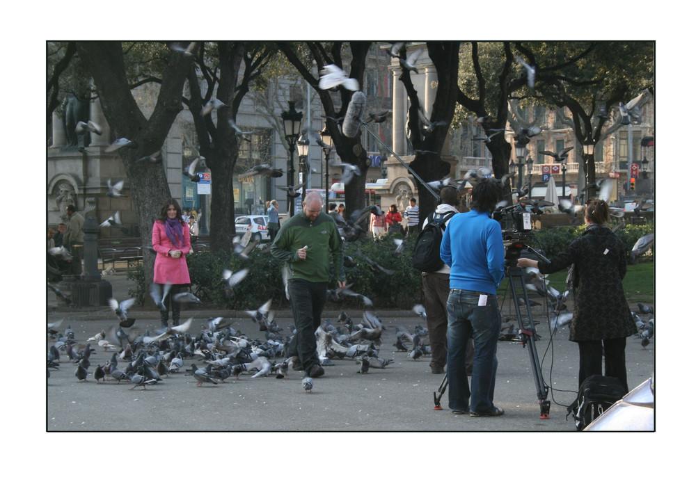 La ragazza sulla piazza de Cataluña