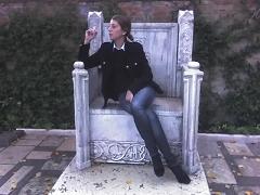 la reine est en train de fumer (guggenheim collection, veinse)