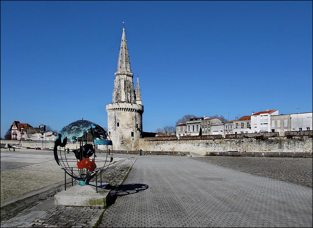 La Rochelle im Frühlingsblau