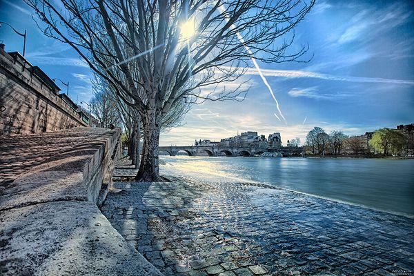 La Seine rive droite