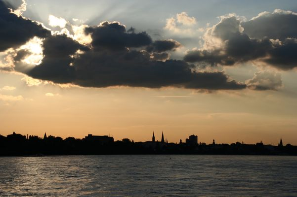 La silhouette di Bonn