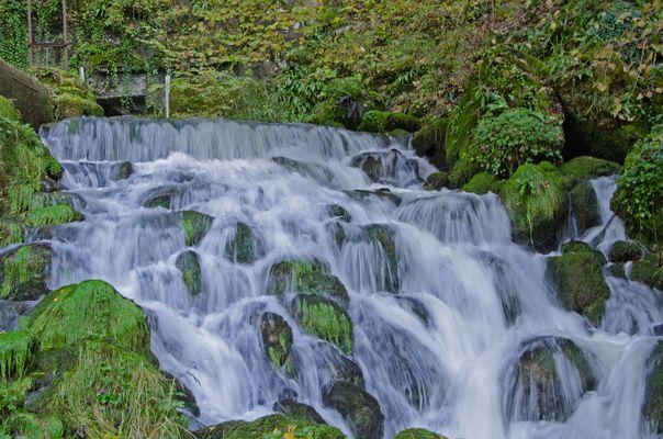 La source de la Doue à Glay (Doubs)