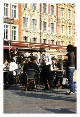 La terrasse du café