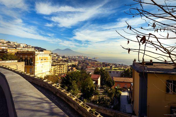 La Terrazza - vista di Napoli da via Tasso