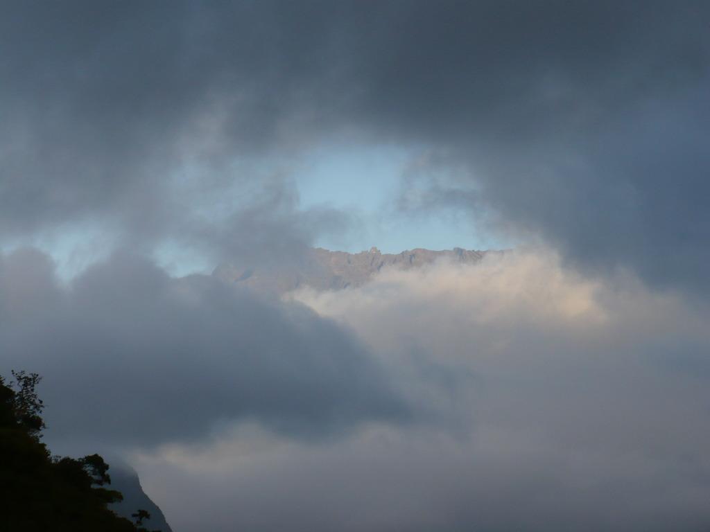 la téte dans les nuages à la réunion