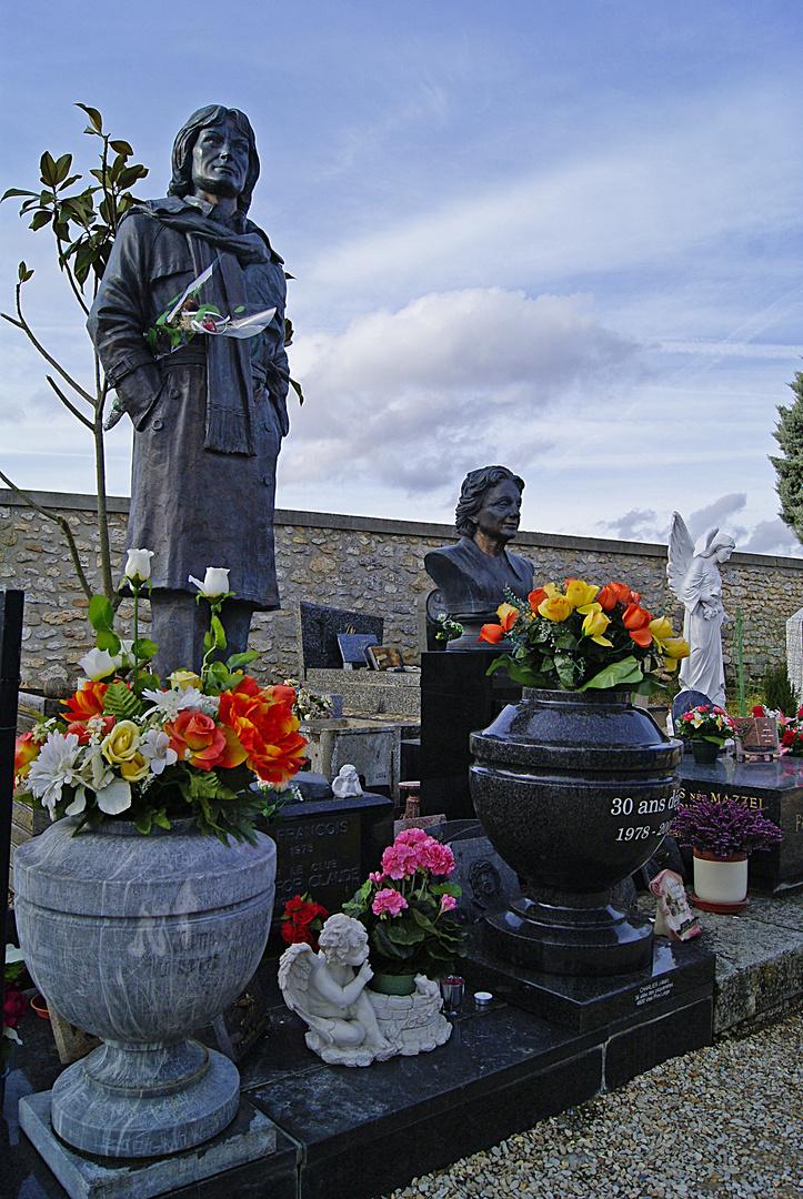 la tombe de Cloclo à Dannemois, Essonne