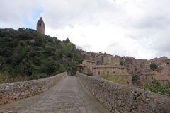 La Tour d'Olargues, depuis le Pont du Diable