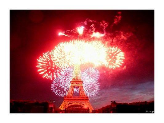 La Tour Eiffel en feu