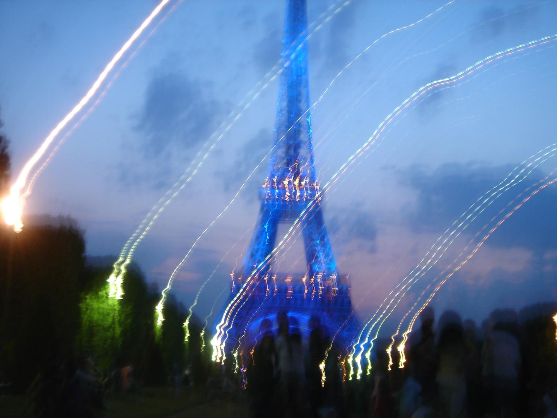 La Tour Eiffel en plein envol