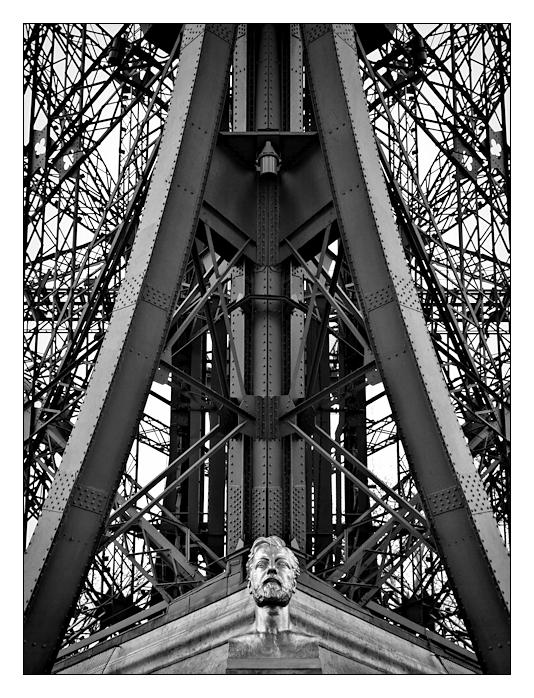 La Tour Eiffel .IV.