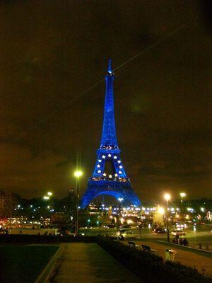 la tour eiffel le soir !!!!