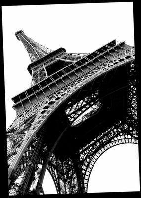 La Tour Eiffel vu d'en bas!