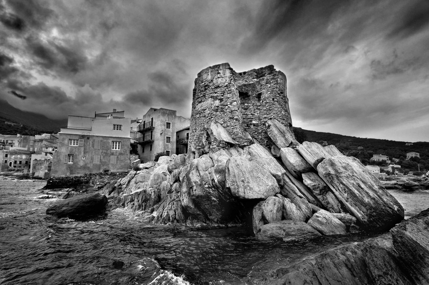 La tour Génoise d'Erbalunga dans le Cap Corse, à proximité de Bastia
